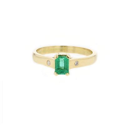 18ct. Yellow Gold Ring, Emerald Cut Emerald
