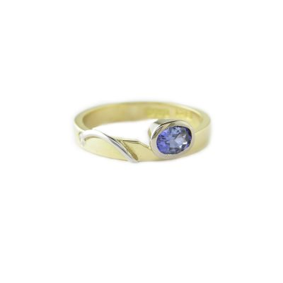 Dress Rings 18ct. Yellow Gold Ring with a Blue Sapphire