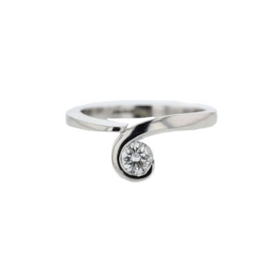 Dress Rings Platinum Wave Solitaire