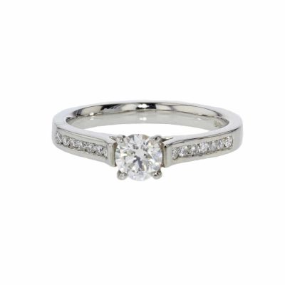Diamond Rings Platinum Diamond Ring with Diamond set Shoulders