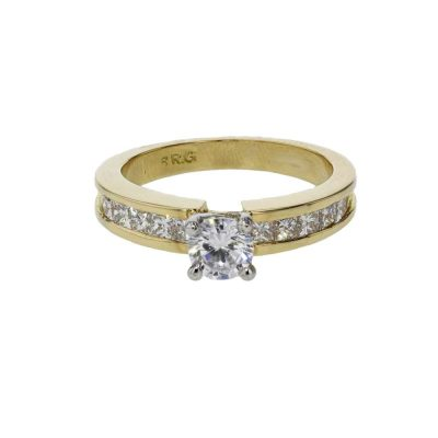 Diamond Rings 18ct. Yellow Gold Ring with Princess Cut Diamonds